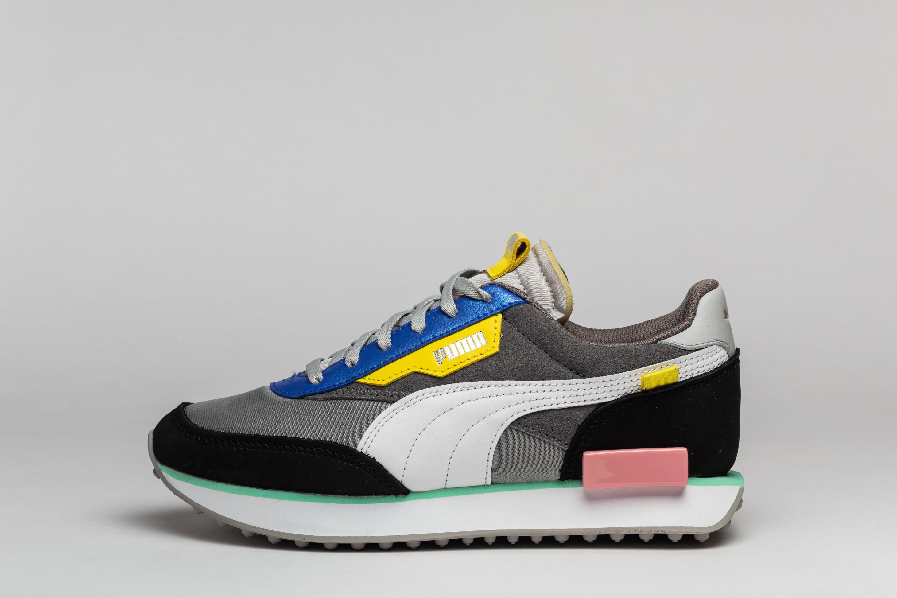 Pantofi sport cu talpa masiva si garnituri de piele intoarsa 2