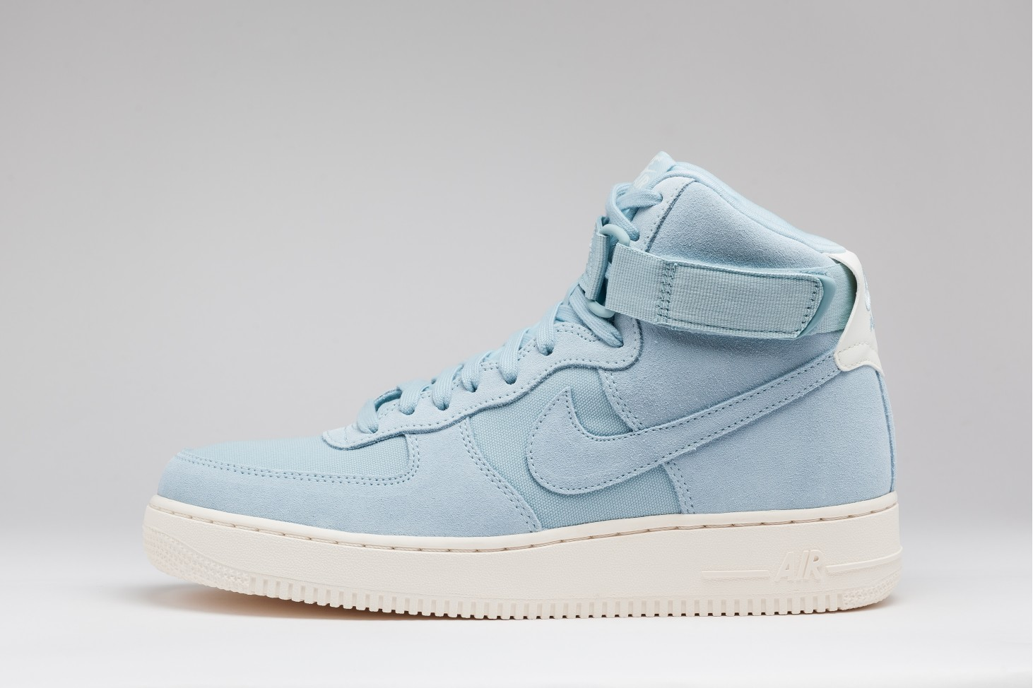 Comanda Nike Air Force 1 High 07 Suede 100% originali  c5769d9304cf