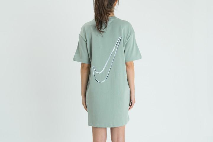 W Swoosh Dress
