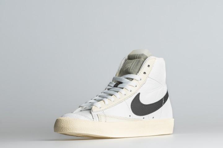 W Nike Blazer Mid 77
